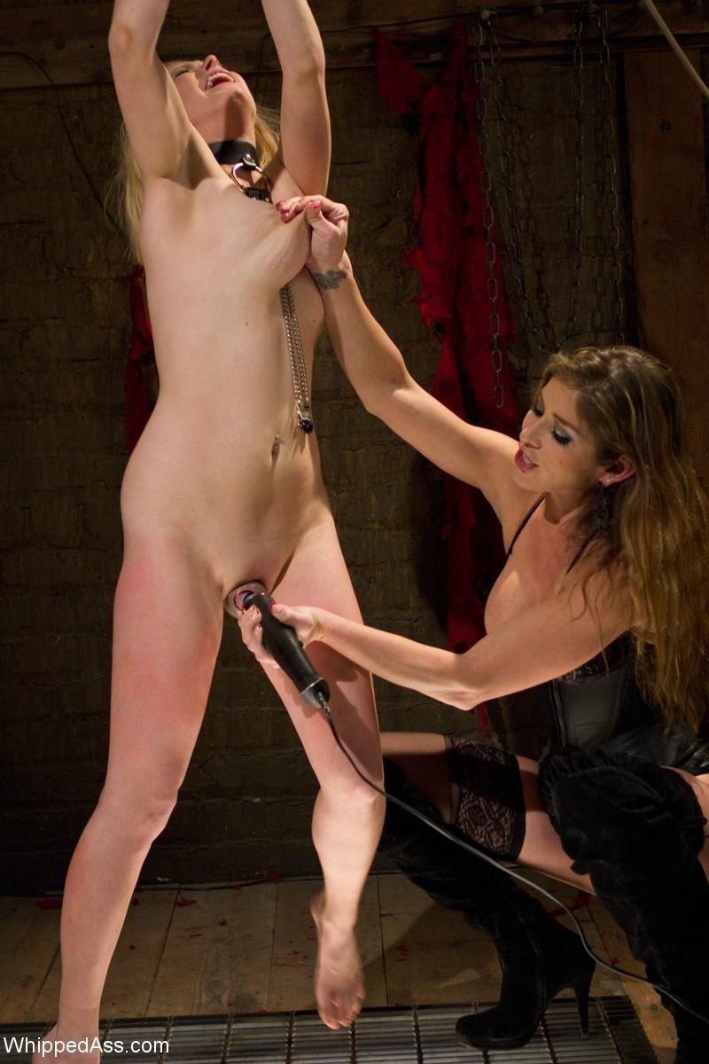 Lesben bondage