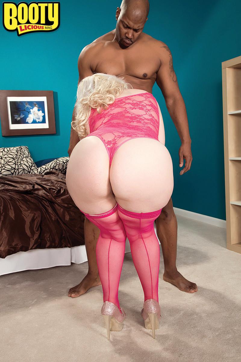 Klaudia kelly chunky blonde fat ass huge tits gif
