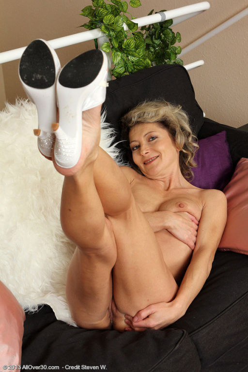 45 year old housewife syndi bell from allover30 te