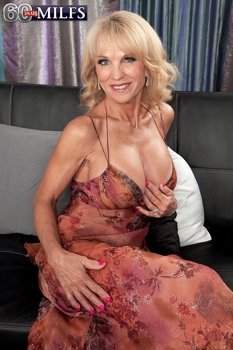 Blonde Mature Milf Big Tits