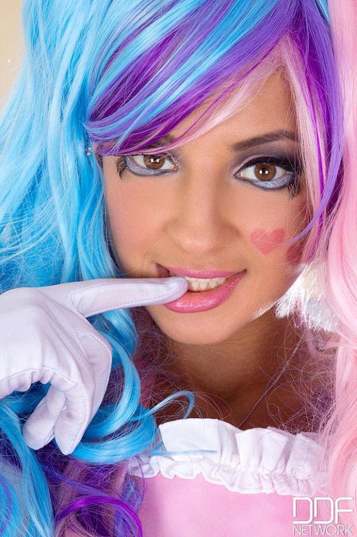 Melena Maria russian babe in super sexy cosplay ou