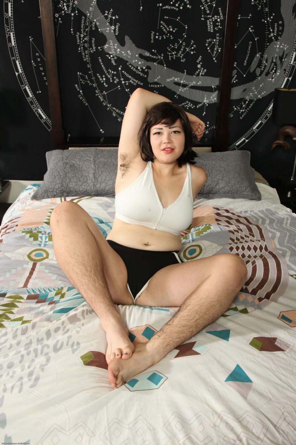 Chubby Asian Hairy Pussy