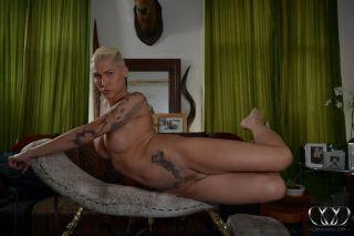 Naughty shemale Danni Daniels showing her massive