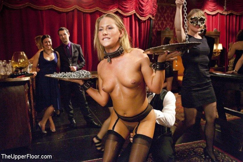 Carmen electra blonde pussy
