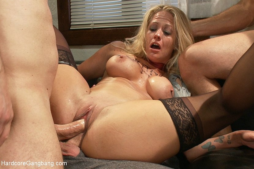Blonde Milf Anal Hd Threesome