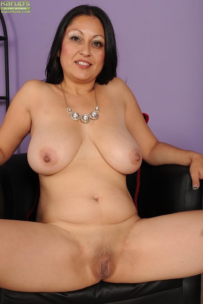 Mother inlaw cum anal