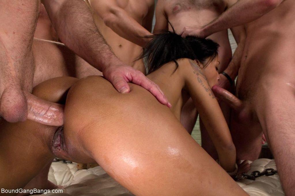 порно видео нарезки группового анала