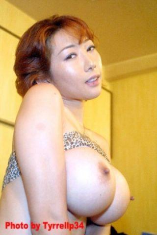 Sakura Sena porn pics in bunny uniform