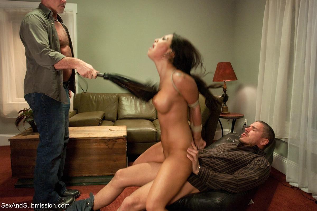 Порно онлайн дерзкая наказана