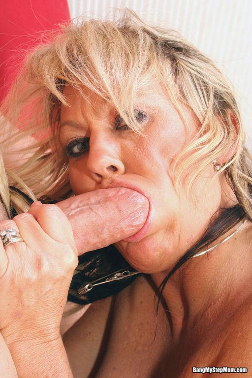 Yummy blonde mommy Chennin Blanc fucking her horny