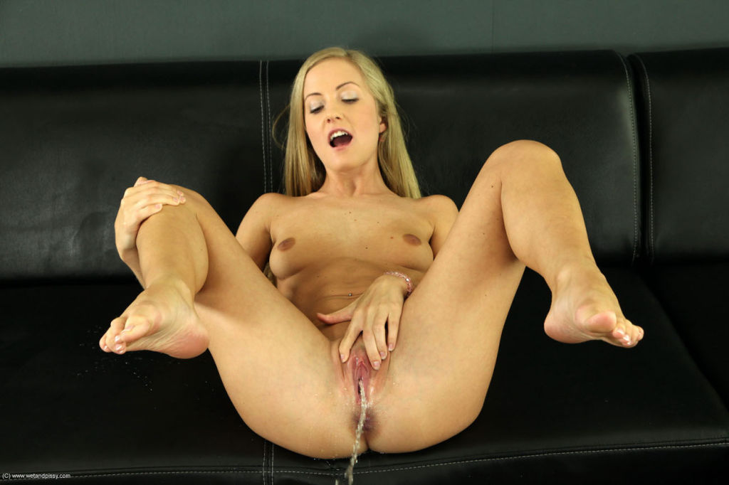 Gorgeous blonde Sicilia enjoys piss play