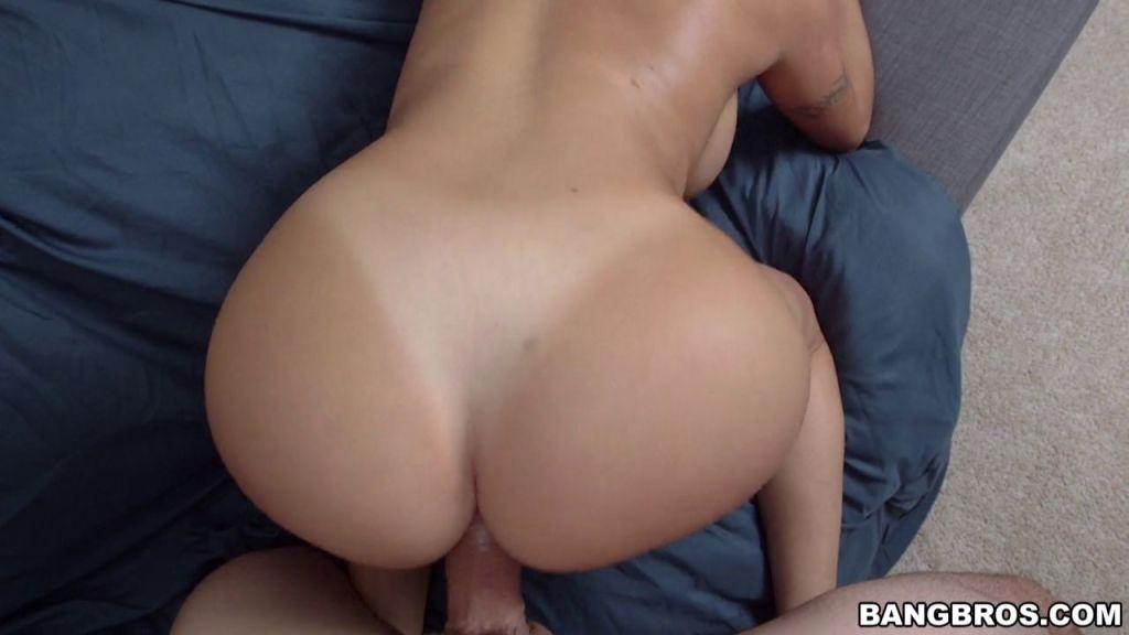 Big ass babe Julianna Vega banged and creamed