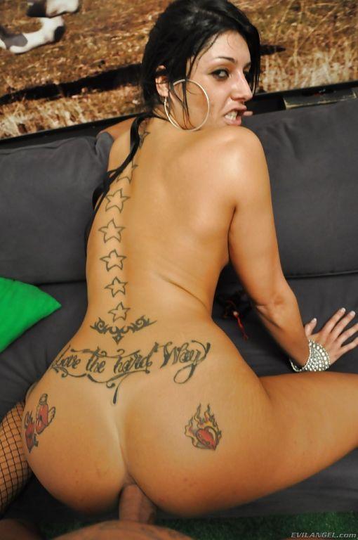 Tattooed slut Natalia Zeta gets her asshole drille