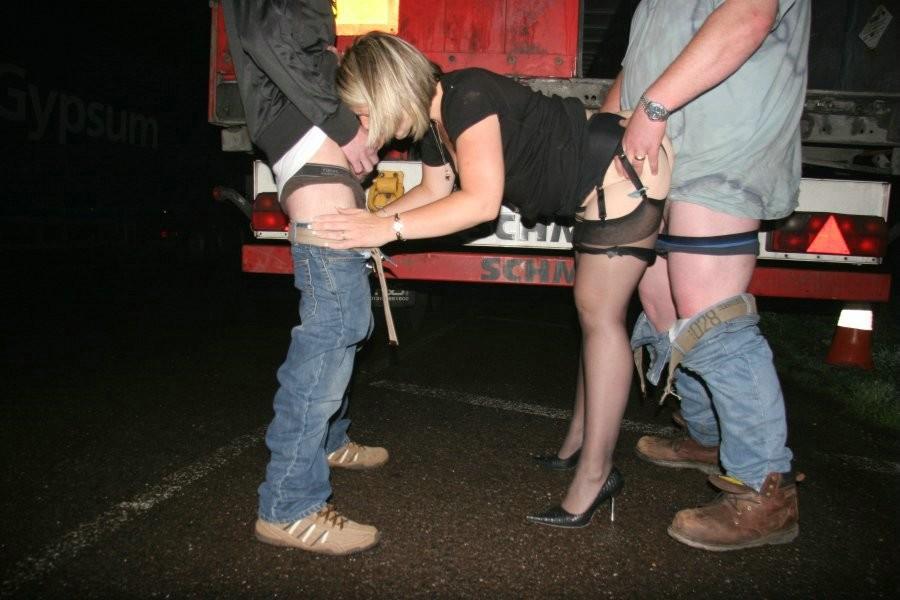 Двойной трах проститутки рычал удовольствия