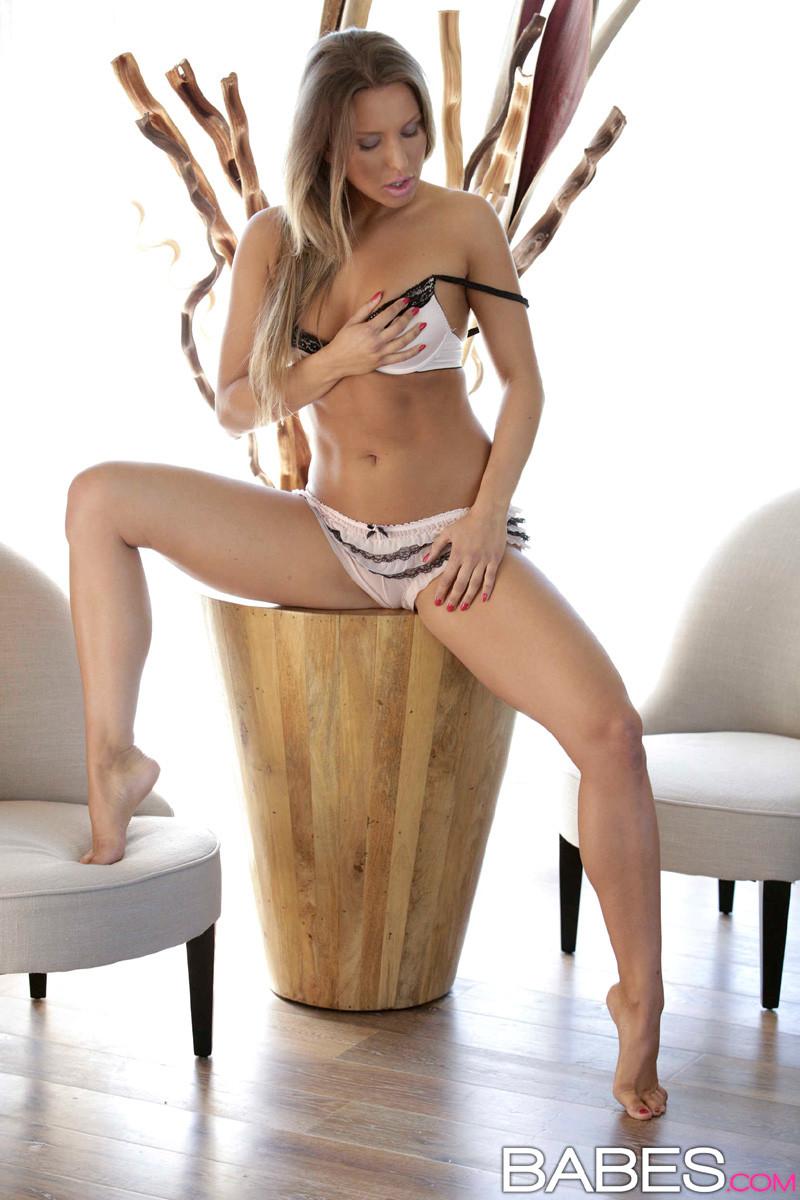 Whitney Conroy порно актриса