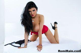 Busty Brunette Babe Romi Rain Spreading Her Juicy