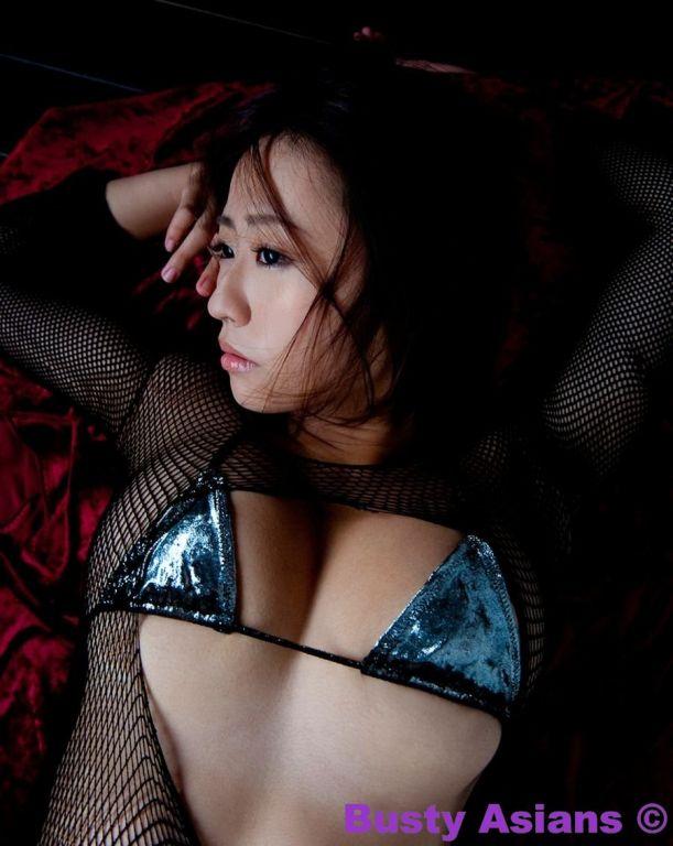 Tama Mizuki perfect and natural big tits posing in
