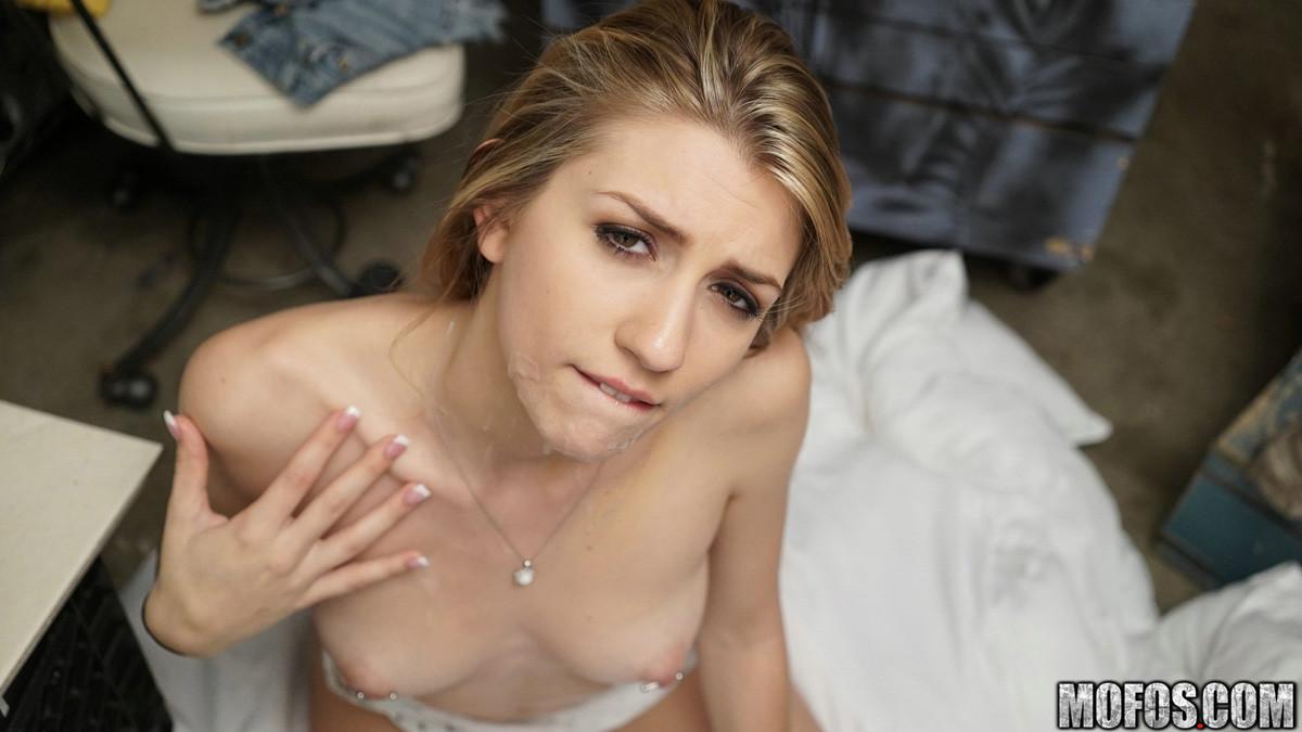 Mikayla Mico порно модель