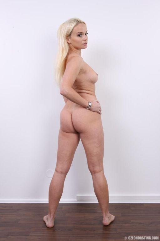 Goegreous amateur blonde poses