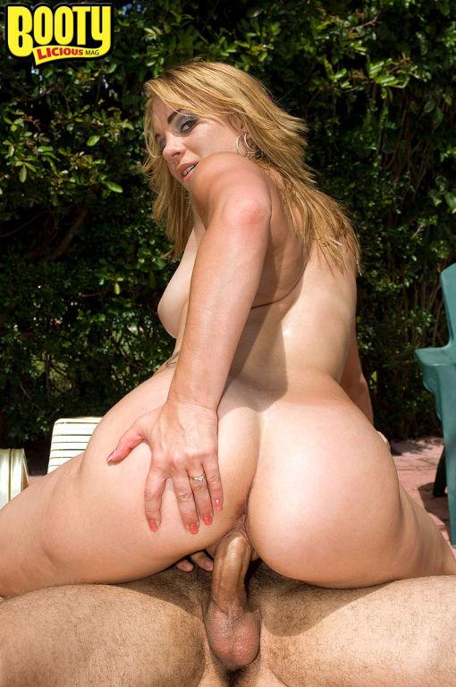 Gorgeous Big ASS Kirra Lynne Fucking Stiff Cock