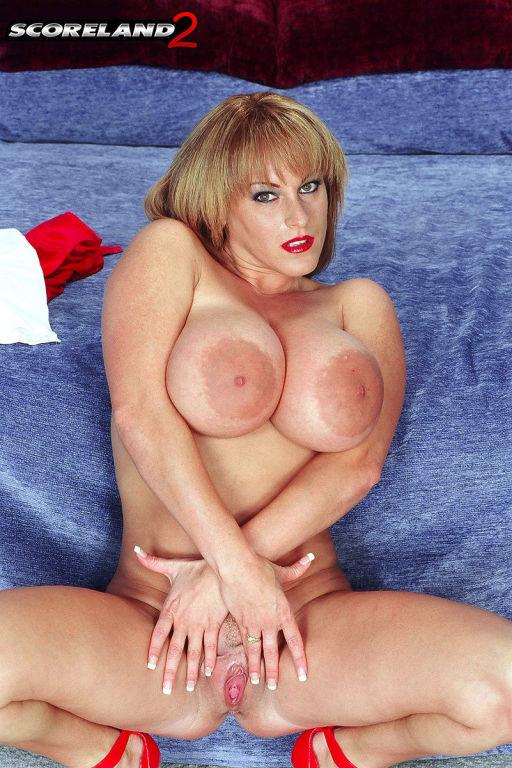 Pornstar Cindy Cupps sex pictures