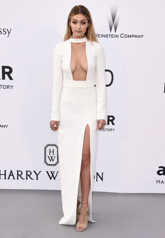 Gigi Hadid shows off her big boobs in white reveal