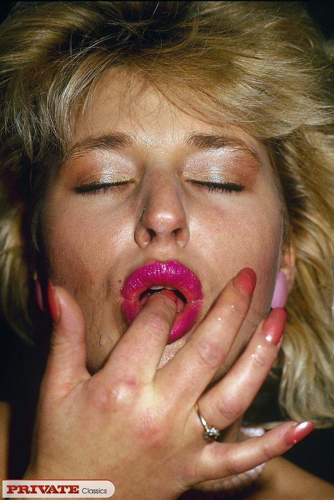 Girls licking wet panties