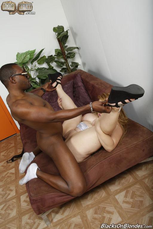 Arianny Koda fucking a big black dick at Dogfart