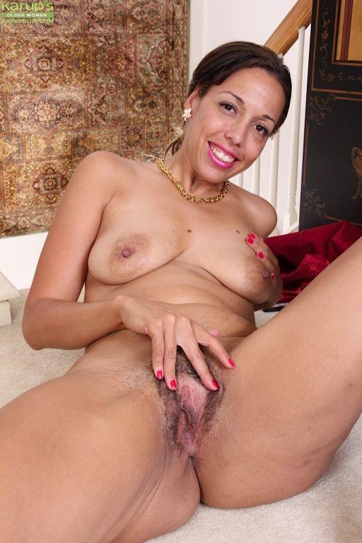 Exotic MILF Josephine Jones spreads her hairy puss
