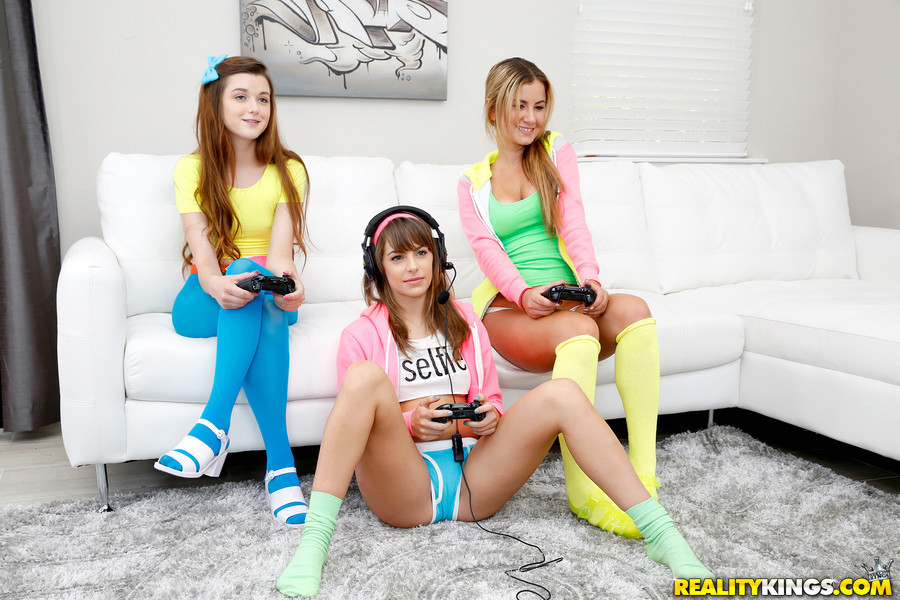 Sexy nude middleschool girls