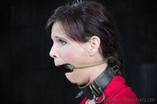 porn Syren Demer bondage brunette