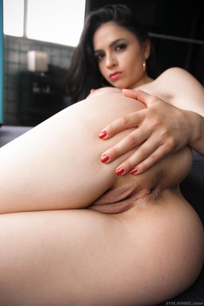 Pornstar marta la croft spanish