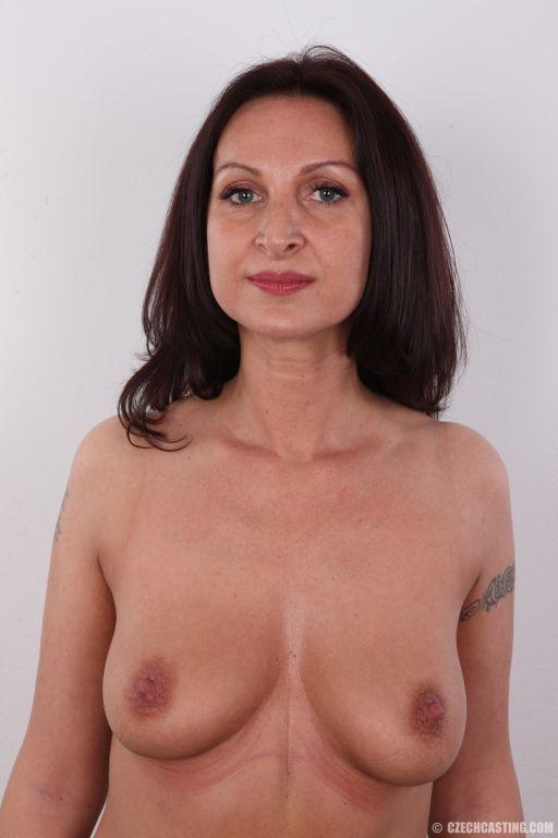 Sexy brunette milf posing naked