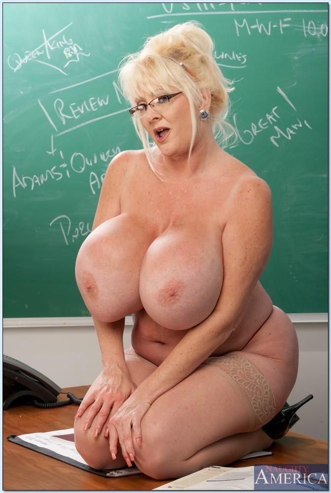 Kayla kleevage mature tits