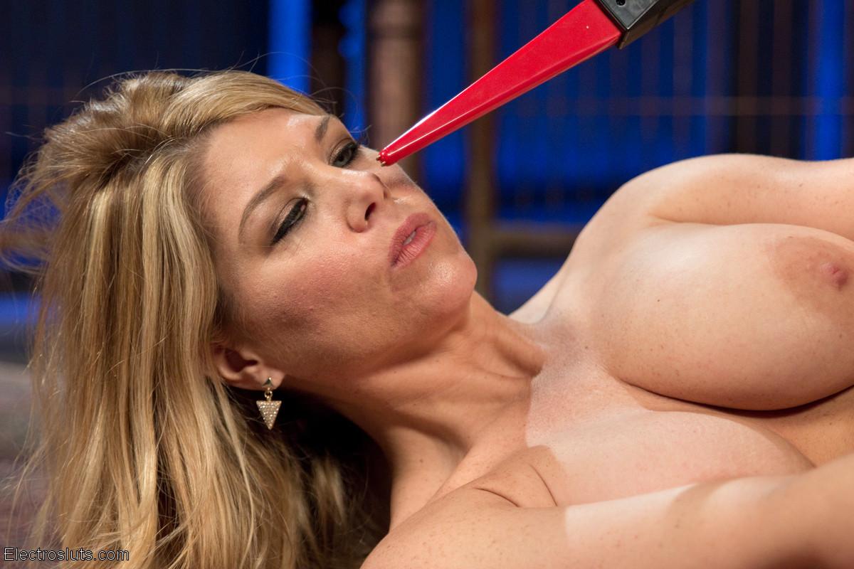 Carissa Montgomery порноактриса