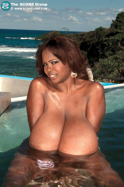 Black pornstar Miosotis with huge boobs in bikini