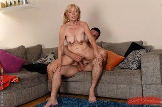 Szuzanne beautiful amateur blonde granny having ha