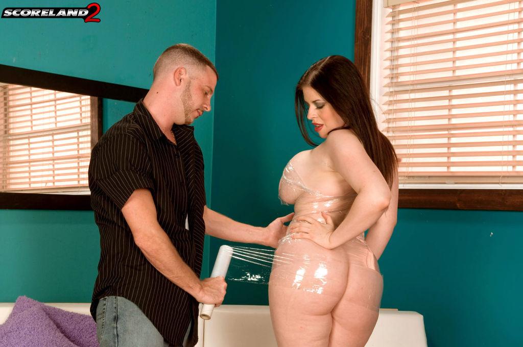 Busty Daphne Rosen Getting Real Kinky