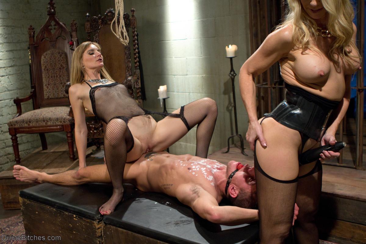 Смотреть онлайн порно госпожа настя имеет своих рабов