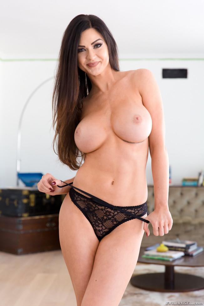 Brunette Teen Babe Big Tits