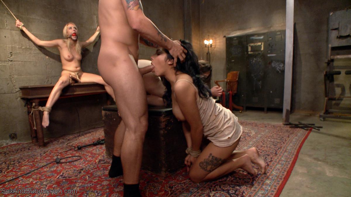 жизнь и работа рабыни секса посмотреть видео коряки радостью уступают