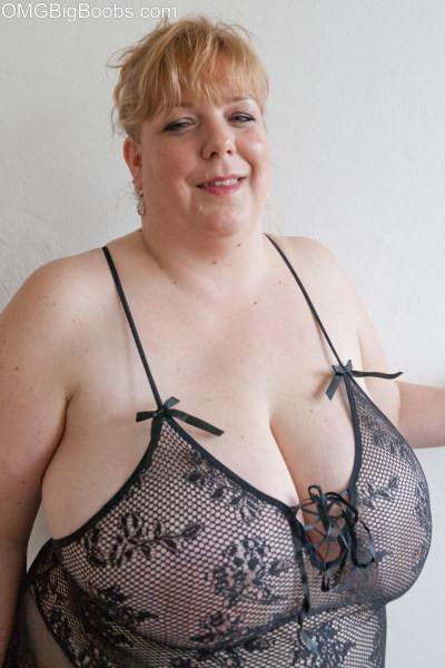 Huge tits mature tube