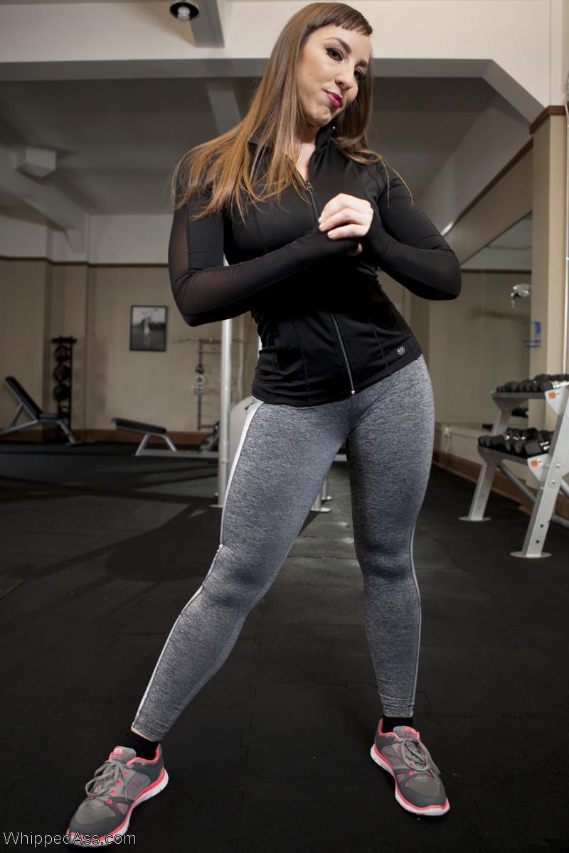 Strapon anal model gym