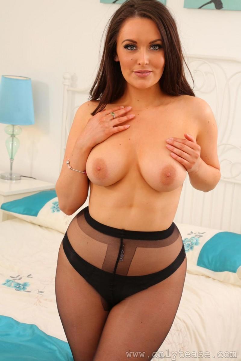 Paparazzi Tits Alexandra Davies  naked (46 photo), Twitter, legs