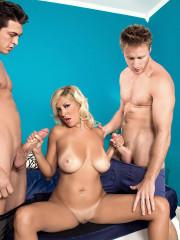Ultraheated threesome starring Miami bikini babe K