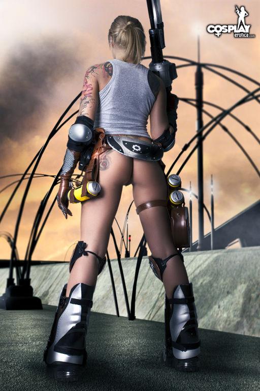 Cosplay Erotica Anya Stroud Gears of war nude