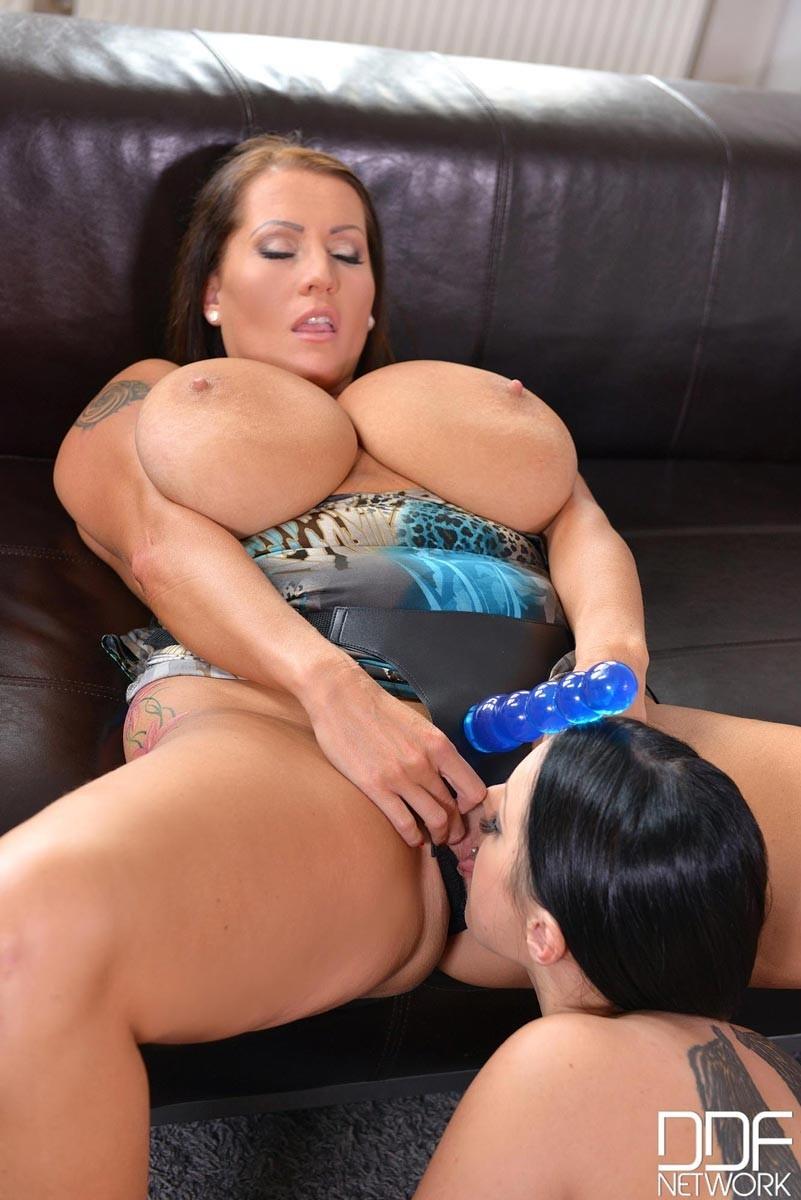 Milf Lesbian Young Girl Strap