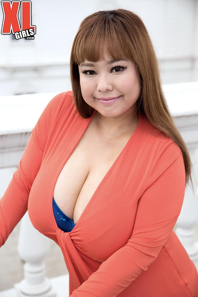 Sex photo Hairy oriental pussy