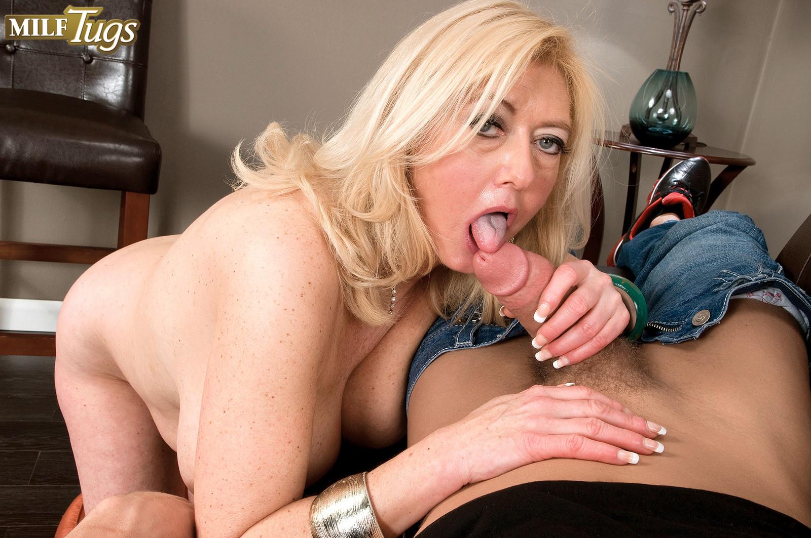 Порно фото Milf Tugs