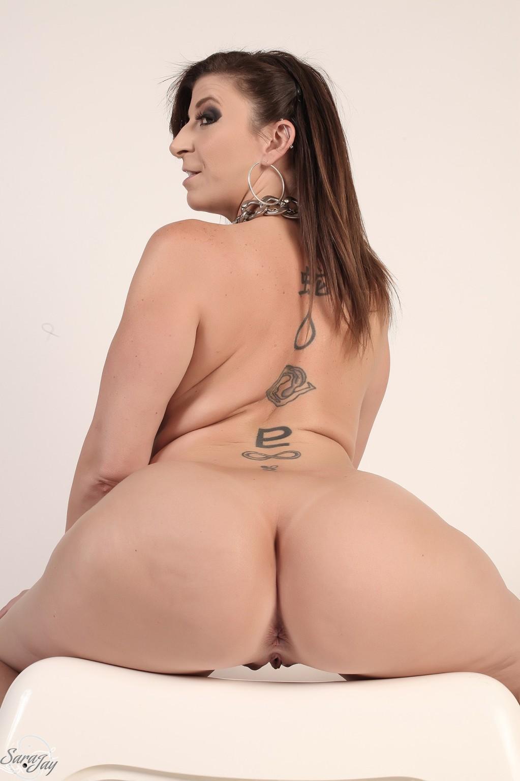 Lick naked girls and guys
